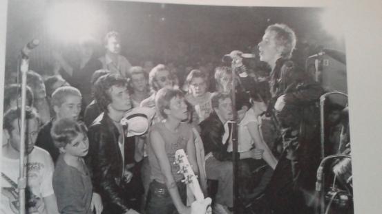Sex Pistols tocando en el primer festival Punk en el 100 Club londinense (20/9/1976)