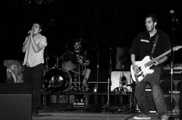 Observers en Italia. 2005. http://souciant.com/2012/09/remembering-the-punk-noughties/