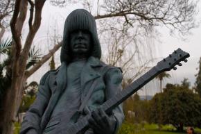 Los Ramones, en la vida y lamuerte.